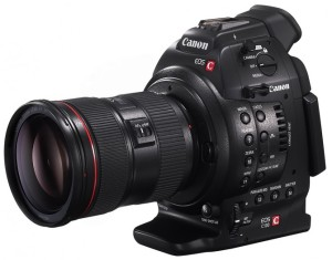 paul-joy-canon-c100-announced-c100-vs-c300-left-angle-670x527
